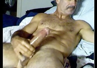 hot daddy! lean furry constricted bod! 6 pack -