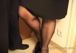 French mature with big ass gets rough anal sex