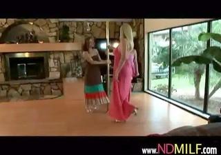 nextdoor milf hottie receives her muff licked and