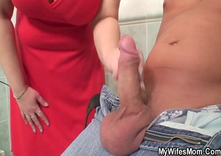 wife catches her boyfrend fucking her giant mom